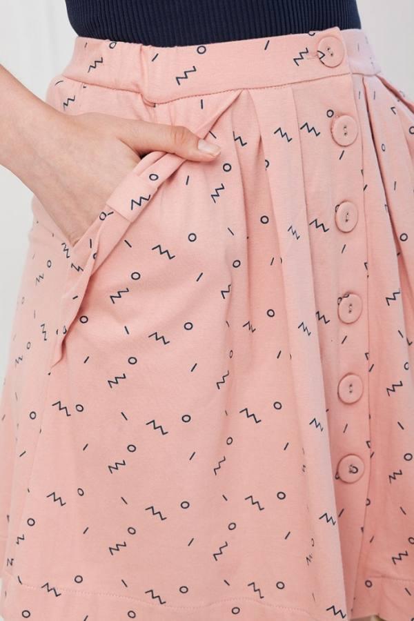falda-botones-isa-rosa-estampado-abstracto-2