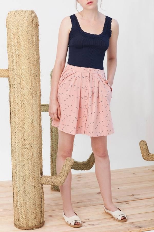 falda-botones-isa-rosa-estampado-abstracto
